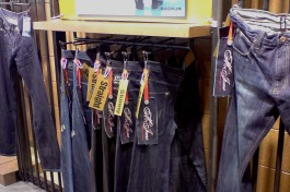 jeans style fit hangtag display, in use | British Fashion Retail Brand – Magnum London :: graphical visual merchandising