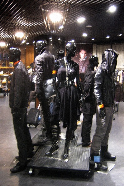 halloween all black in-store mannequins group display VMD, in Guangzhou shop | British Fashion Retail Brand – Magnum London :: graphical visual merchandising