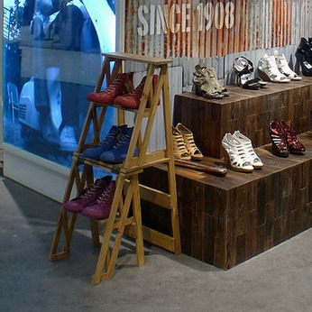 vintage display 2-step ladder, footwear shoes VMD women's men's female | British Fashion Denim Retail Brand - Lee Cooper in China :: retailing design and visual merchandising all shops props