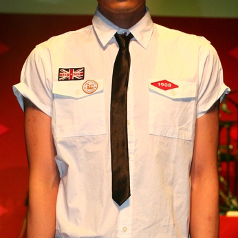 white short sleeves shirt badges union jack 1908 diamond catwalk on model menswear | British Fashion Denim Retail Brand – Lee Cooper in China :: LCUK collection fashion graphics