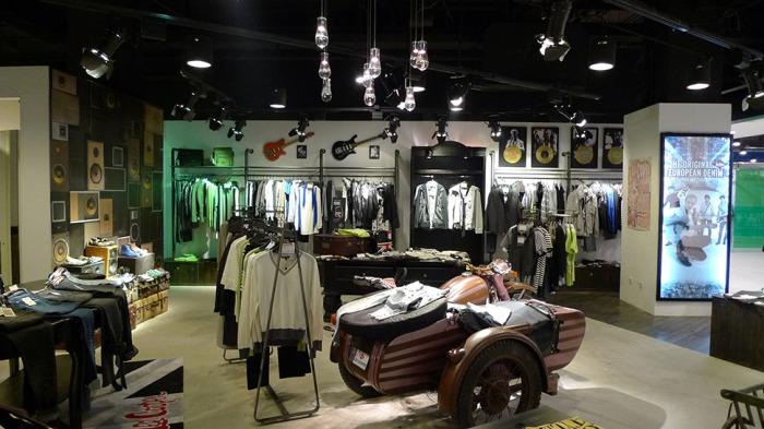 Lee Cooper Hangzhou Xihu Intime Store :: Lee Cooper London Collection Zone