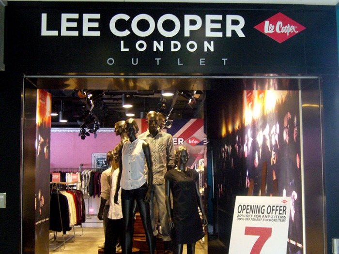 Lee Cooper Beijing Shangjia Outlet :: Entrance inside shopping mall