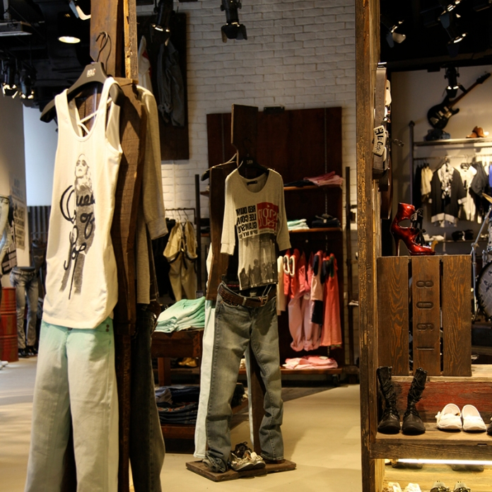 vintage custom made wooden mannequin   Lee Cooper in China :: fixture and furniture for flagship store