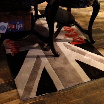 Lee Cooper in China :: retailing design and visual merchandising all shops props :: Union Jack carpet