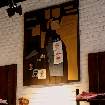 jeans pattern collaborated on wooden wall display | Lee Cooper in China :: retailing design and visual merchandising all shops props