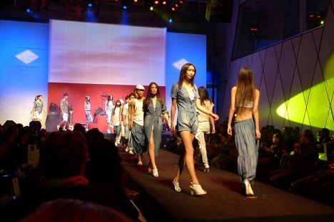 finale of spring/summer fashion show in 2010 Blue Monday:Red China event | Lee Cooper in China :: retailing fashion show and event management