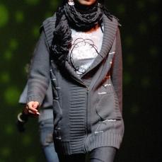 womenswear tee crest emblem print black on grey | British Fashion Retail Brand – Magnum London :: fashion graphics